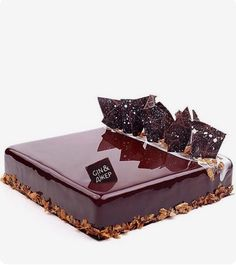 Francois J. Tasty Chocolate Cake, Chocolate Delight, Beautiful Cake Designs, Gorgeous Cakes, Decoration Patisserie, French Cake, Square Cakes, Beautiful Desserts, Fancy Desserts