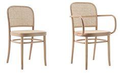 Sedia in massello di faggio curvato a vapore, disegnata da Josef Hoffman nel 1925. Un design  sempre attuale e moderno conferisce alla sedia N. 811 un incredibile confort e leggerezza.  Il sedile e lo schienale sono in paglia di Vienna.