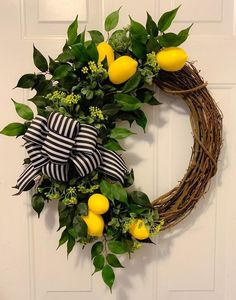 Take a look at our latest collection of DIY projects featuring 15 Colorful Handmade Summer Wreath Designs Your Front Door Will Need. Diy Spring Wreath, Diy Wreath, Grapevine Wreath, Spring Door Wreaths, Wreath Ideas, Front Door Decor, Wreaths For Front Door, Front Porch, Lemon Wreath