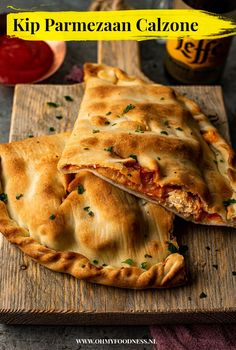 A Food, Good Food, Food And Drink, Yummy Food, Diner Recipes, Cooking Recipes, Italian Dishes, Italian Recipes, Calzone