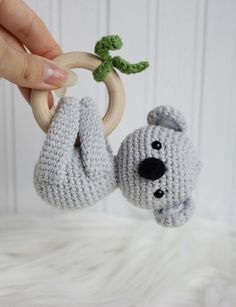 Koala wooden teething ring with cotton rattle Cotton baby rattle wooden teething ring koala safari a Wooden Crates Gifts, Baby Shower Gifts, Baby Gifts, Crochet Rings, Baby Girl Hair Bows, Wooden Teething Ring, Crochet Baby Toys, Teething Toys, Baby Rattle