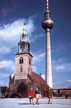 Berlin, St Marien és St Walter templom, háttérben a TV-torony. East Germany, Berlin Germany, Great Photos, Old Photos, Ddr Brd, Berlin Hauptstadt, Research Images, Cities In Europe, Berlin Wall