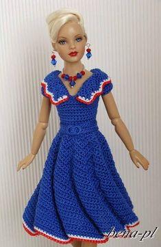 12020024_1479978785663667_8587740985174577269_n - Kadınlar Sitesi #12020024 #1202002414799787856636678587740985174577269n #1479978785663667 #8587740985174577269 #Kadınlar #sitesi Crochet Doll Dress, Crochet Barbie Clothes, Doll Clothes Barbie, Knitted Dolls, Barbie Doll, Barbie Knitting Patterns, Knitting Dolls Clothes, Barbie Clothes Patterns, Dress Barbie