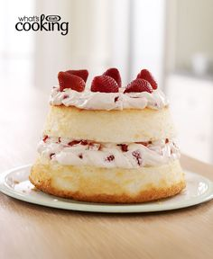 Would you believe that you could make this strawberry-creme cake without turning on your oven? A prepared angel food cake, fresh berries and a creamy filling will get you there! Cupcake Recipes, Baking Recipes, Cupcake Cakes, Dessert Recipes, Decadent Cakes, Angel Cake, Cream Cheese Recipes, Kraft Recipes, Strawberry Recipes