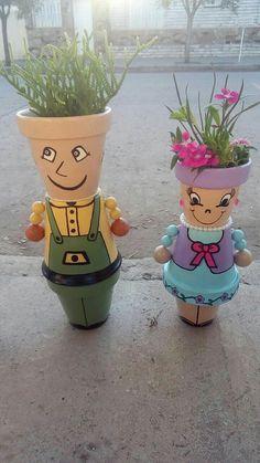 Résultat d'images pour Clay Flower Pot People Clay Pot Projects, Clay Pot Crafts, Diy Clay, Crafts To Make, Diy Crafts, Flower Pot Art, Clay Flower Pots, Flower Pot Crafts, Flower Pot People