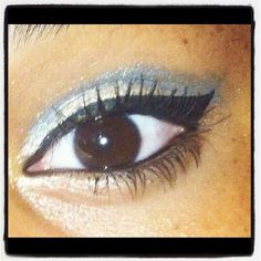 Basic blue makeup