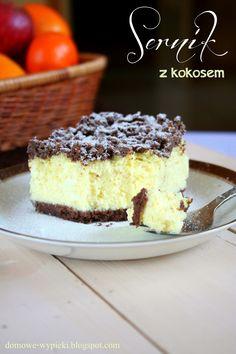 Domowe Wypieki: SERNIK Z ODROBINĄ KOKOSU Polish Desserts, Polish Recipes, Cookie Desserts, Cookie Recipes, Carrot Cake Cheesecake, Kolaci I Torte, Sweet Pastries, Cake Bars, Sweets Cake