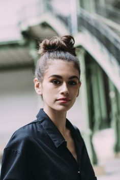 Kaia Gerber's Messy Bun - Flawless Street Style Snaps From Paris Fashion Week, Fall 2018 - Photos