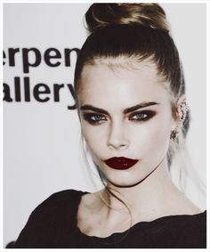 cara delevigne-this girl can rock any look GRUNGE MAKE UP