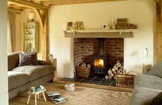 Border Oak - Fireplace in Suckley Cottage.