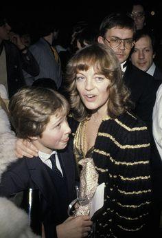 Paris le 31 janvier 1981 Crmonie des Csars au Palais des Congrs Romy Schneider et son fils David Romy Schneider attends the Csars with her son David