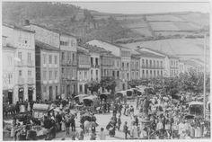 Alameda de Vegadeo en un día de mercado hacia 1906. Foto Ferrería de Vegadeo. (Foto nº 9730)
