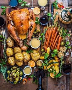 Roast chicken and veggies need not be boring - Healthy Dinner Food Porn, Cooking Recipes, Healthy Recipes, Food Platters, Meat Platter, Fabulous Foods, Food Presentation, Food Inspiration, Love Food