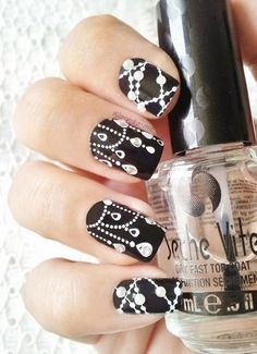Strass, Pearls, etc… China Glaze - Liquid Leather Essence - Stamp me White ! Pueen - stamping plates et dream catcher nail art Cute Nail Art Designs, Nail Art Designs 2016, Ongles Bling Bling, Bling Nails, Fancy Nails, Trendy Nails, Nail Diamond, Black Diamond, Black And White Nail Designs