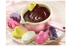 impress your easter guests with a warm pot of peeps fondue. more spectacular peep treats after the jump. plus, i have the mouthwatering fondue recipe for you. Easter Peeps, Hoppy Easter, Easter Treats, Easter Party, Easter Food, Easter Bunny, Peeps Recipes, Easter Recipes, Sweet Recipes