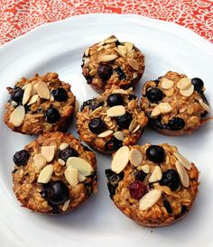 Taylor Made - clean & healthy make-ahead breakfast idea: honey almond blueberry oat protein muffins. no flour, butter, oil, or refined sugar! Healthy Recipes, Healthy Sweets, Healthy Baking, Clean Eating Recipes, Cooking Recipes, Healthy Snacks, Healthy Protein, Easy Recipes, Protein Mix