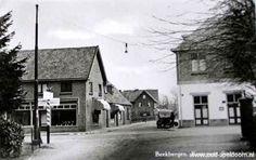 Bèkbargen / Beekbergen - Arnhemseweg ↔ dorpsstraat → Hier wurmde de bus richting Dieren (of Eerbeek) zich doorheen. Pas bij de kerk werd de weg weer wat breder.