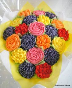 Small town girl bakery - Beautiful Cupcake bouquets and Celebration cakes. Food Bouquet, Cupcake Bouquets, Mini Cakes, Cupcake Cakes, Cupcakes Delivered, Realtor Gifts, Beautiful Cupcakes, Buttercream Flowers, Vanilla Cupcakes