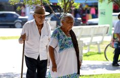 Tenemos una gran herencia cultural en el estado de Quintana Roo, de la que debemos aprender y exaltar sus valores, por ejemplo: la familia como la base de la unión social, busquemos el fortalecimiento de este valor e inculcar el respeto mutuo y sincero. Ante cualquier situación, es en la familia donde hemos encontrado la fortaleza de seguir adelante. Saludos fraternos.