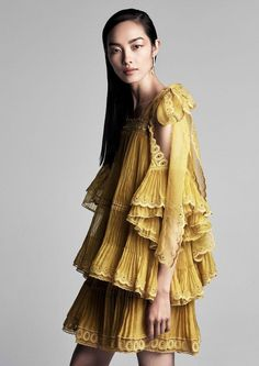 Patrick Demarchelier Snaps Fei Fei Sun In 'Pleats Please' For Vogue China March 2017 — Anne of Carversville  http://www.anneofcarversville.com/editorials/2017/3/14/patrick-demarchelier-snaps-fei-fei-sun-in-pleats-please-for-vogue-china-march-2017