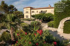 MON DESIRE (Orgon) - Klein kasteeltje met privé zwembad, poolhouse, petanquebaan en tennisveld (vanaf zomer 2015) te Orgon. Deze villa is gelegen in een aangelegd park van 6 hectare op een heuvel in het hart van de Alpilles/Luberon. Met 6 slaapkamers en 6 badkamers is deze prachtige vakantievilla geschikt voor 15 personen.