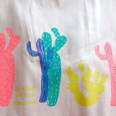 omme une envie de vacances exotiques #handpainted #tampons #colorful #cactus #exotic #designtextile #textiledesign #totebag #linocut