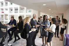 6 Great Icebreakers For A Networking Event - Work It Daily Press Release Distribution, Online Tutorials, Rich People, Job Opening, Conversation Starters, Live Events, Public Relations, Business Women, Business Design