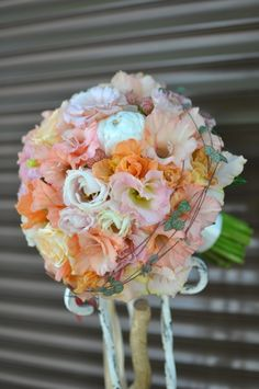 #Buchet de #mireasă cu #gladiolus și #lisianthus - #livrare în #Chișinău, #Moldova. #bridalbouquet Floral Wreath, Wreaths, Decor, Flower Crowns, Door Wreaths, Decorating, Deco Mesh Wreaths, Dekoration, Deco