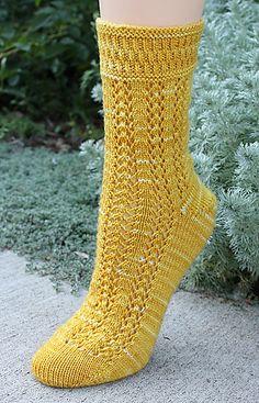 Flutterby Socks, knit in Zen Yarn Garden Serenity 20 Loom Knitting Patterns, Knitting Stitches, Knitting Tutorials, Stitch Patterns, Knitted Slippers, Crochet Slippers, Knitting Socks, Hand Knitting, Knit Socks