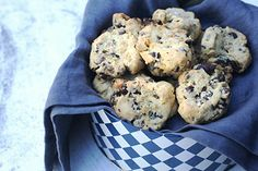 Salted chocolate and walnut cookies