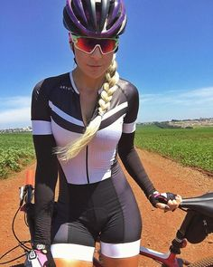 It Takes More Than Cost In Selecting A Triathlon Bike - Bike riding Cycling Wear, Cycling Girls, Cycling Outfit, Zwift Cycling, Cycling Clothes, Cycling Shoes, Bicycle Women, Bicycle Girl, Triathlon