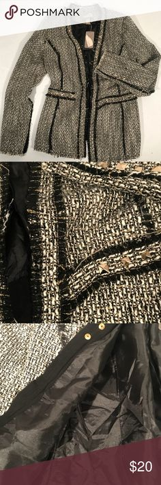 NWT Tweed Jacket Blazer Black Gold Studs - XS NWT Love 21 Tweed Jacket Blazer Black Gold Studs - XS. Black white and gold blazer with gold studs. 2 decorative pockets. Fully lined. Long sleeve Pit to pit 17in. Length 27 in front Forever 21 Jackets & Coats Blazers