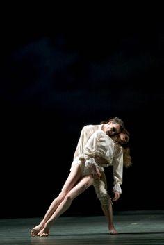 Un ballet : Le Parc d'Angelin Preljocaj Martha Graham, Alvin Ailey, Pina Bausch, Contemporary Dance, Modern Dance, Pantomime, Dance Photos, Dance Pictures, Eagles Hotel California