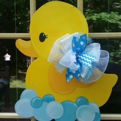 Ideas Baby Shower Ideas Rubber Ducky Party Favors For 2019 Ducky Baby Showers, Baby Shower Duck, Rubber Ducky Baby Shower, Elephant Baby Showers, Regalo Baby Shower, Mesas Para Baby Shower, Baby Shower Favors, Baby Shower Games, Baby Door Wreaths