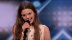 """Courtney Hadwin earned a golden buzzer on America's Got Talent for her cover of """"Hot To Handle"""" by Otis Redding. Kids Got Talent, Britain's Got Talent Judges, Talent Show, Otis Redding, Britain Got Talent, Entertainment Tonight, Old Singers, Buzzer, James Brown"""