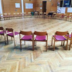 Der Sesselkreis wartet auf den 3. Tag des #dialogwest #strukturierterdialog #innsbruck