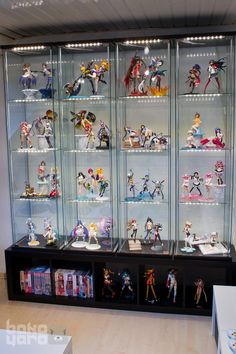 21 Various DIY Display Case Ideas to Keep your Beloved Stuff! - Home Decor Ideas Funko Pop Display, Toy Display, Display Case, Geek Room, Kawaii Room, Game Room Design, Room Setup, Aesthetic Rooms, Displaying Collections