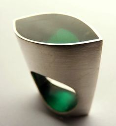 Vania Ruiz - Sterling silver and coloured resin