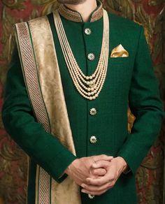 Indian Wedding Suits Men, Indian Groom Wear, Indian Wedding Outfits, Sherwani Groom, Mens Sherwani, Wedding Sherwani, Groom Wedding Dress, Groom Dress, Men Dress