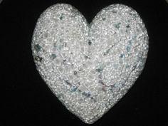 glasmosaik på raku bränt stengods