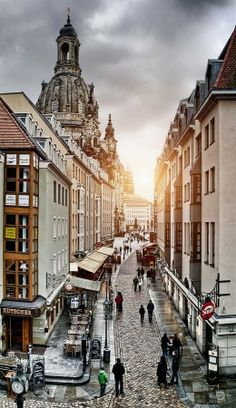 Beautiful old town of Dresden- View of the famous Münzgasse Beautyful Old Town . Dresden (S . Old Town Gdansk, Warsaw Old Town, Visit Germany, Germany Travel, Stavanger, Dubrovnik, Valencia Old Town, Beautiful Buildings, Beautiful Places