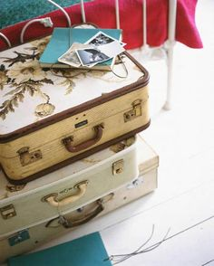 Inspirational retro suitcases with a splash of yellow