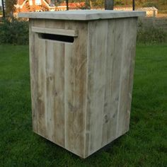 Brievenbus in oud steigerhout | Meubelen | rawcreations bvba Home Reno, Bruges, Mailbox, Outdoor Furniture, Outdoor Decor, Diy And Crafts, Sweet Home, Shed, Outdoor Structures