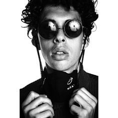 Round Sunglasses, Portrait, Fashion, Photo Studio, Moda, Round Frame Sunglasses, Headshot Photography, Fashion Styles, Portrait Paintings