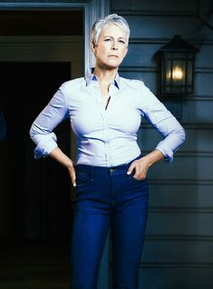 "Jamie Lee Curtis On The Undying Horror Of ""Halloween,"" Trauma, & The Final Girl Myth Michael Myers, Scream Queens, Jamie Lee Curtis Young, Halloween Jamie, Buzzed Hair Women, Jeniffer Aniston, Janet Leigh, Hot Tattoo Girls, Wonder Woman"