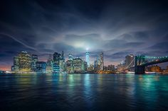 Beboy Photo, a professional landscape and cityscape photographer. Discover travel and photography advices on his blog Beboy Photo. Page officielle de Beboy Photo, photographe professionnel de paysages nature et urbain | NYC skyline, tower with rare clouds overhead