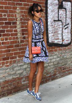 DVF dress, DVF bag, New Balance sneakers, Karen Walker sunglasses Basket  Mode Femme 6317235e44b