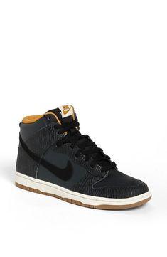 Nike //