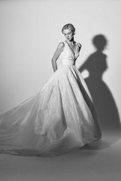 459c9d415f Vestidos de novia Carolina Herrera 2018: una colección inspirada en un  jardín de flores Image