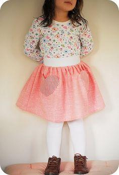 little girl skirt tutorial #DIY #crafty #sew #tutorialgirkidss